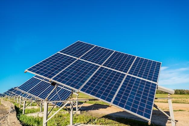 Energía del panel solar del sol