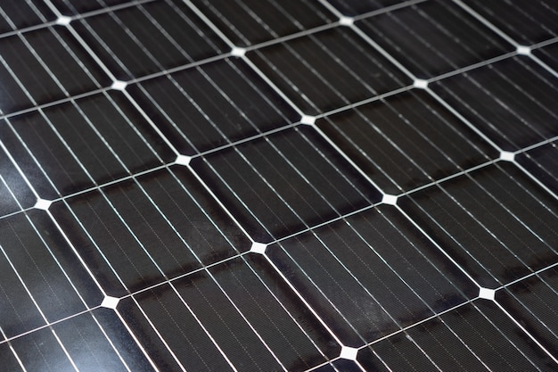 La energía solar es producida por células solares. es concepto de energía limpia e ilimitada.