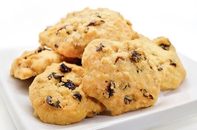 Enfoque selectivo de galleta de avena con pasas
