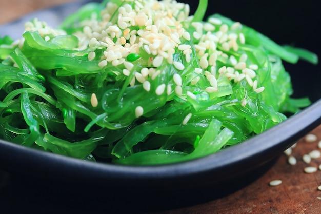Ensalada de algas marinas - comida japonesa