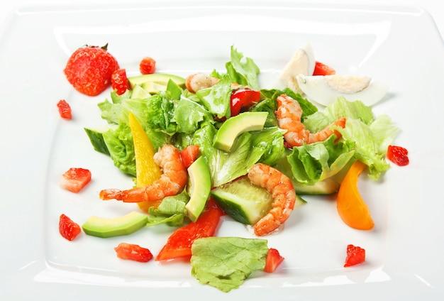 Ensalada de camarones y verduras