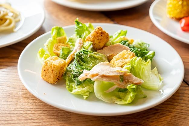 Ensalada césar con pollo