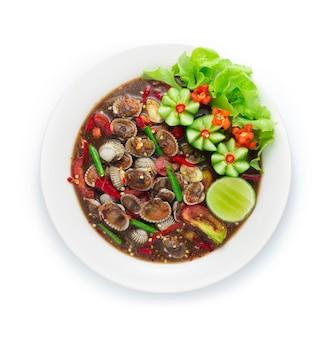 Ensalada picante de berberechos en salsa de pescado en escabeche comida tailandesa picante