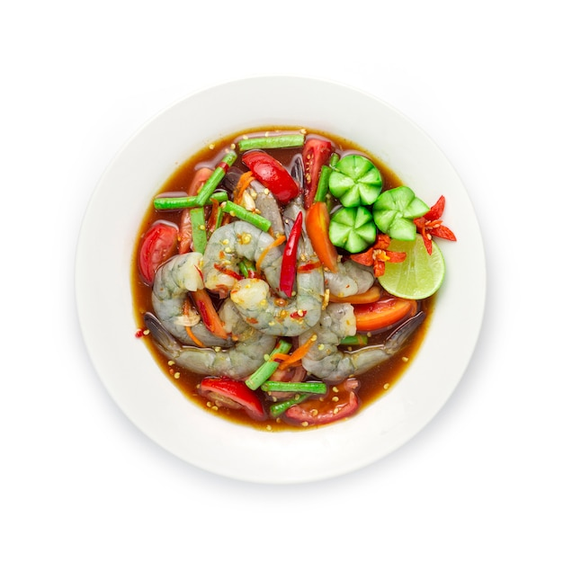 Ensalada picante de camarones en salsa de pescado en escabeche comida tailandesa picante