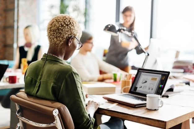 Entorno de oficina moderno