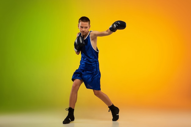 Entrenamiento de boxeador profesional adolescente