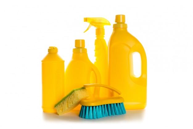 Envase de plástico de producto de limpieza para la casa limpia en blanco