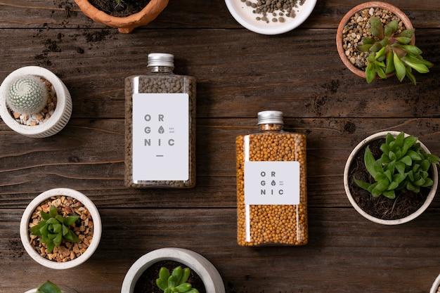 Envases de fertilizantes orgánicos para plantas para la entrega.