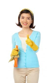 Envuelto en las tareas del hogar