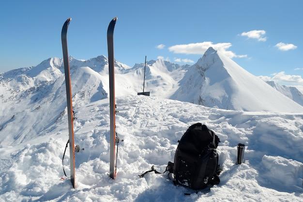 Equipo de esquí de travesía