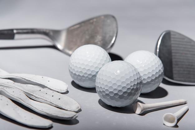 Equipo de golf de alto ángulo
