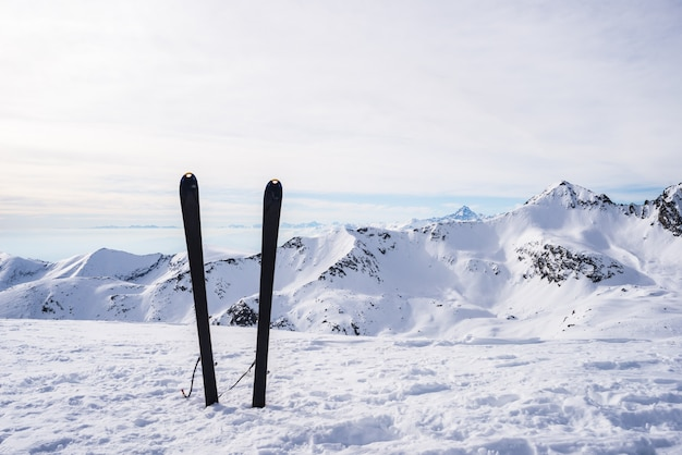 Equipo de montañismo en la parte superior
