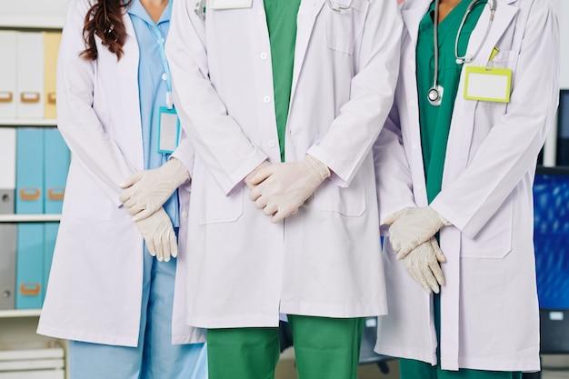 Equipo de trabajadores médicos