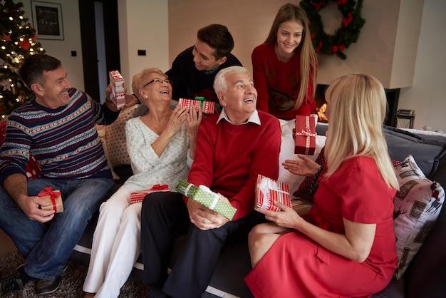 Esta es la época navideña llena de felicidad.