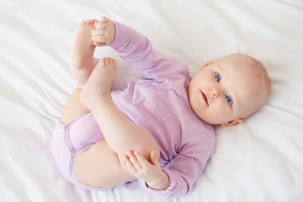 Es tan bonito ver al pequeño bebé