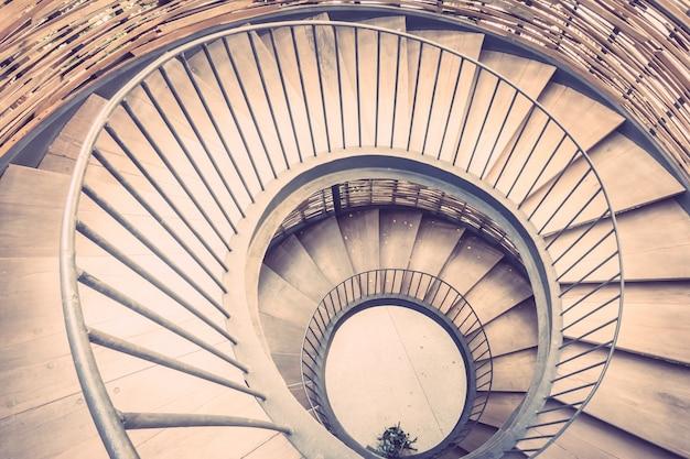 Escalera escalera de la vendimia de la arquitectura abstracta