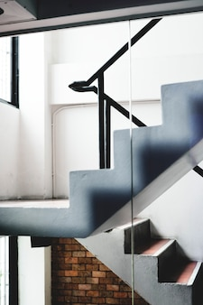 Escaleras de diseño simple Foto Premium