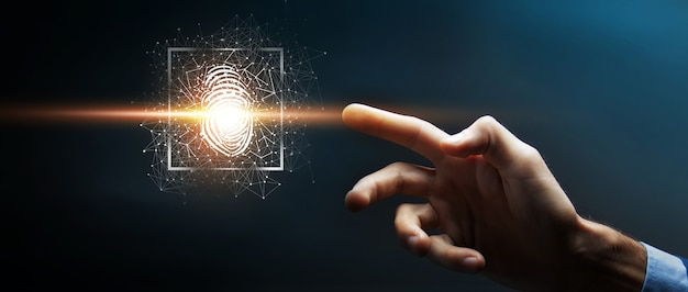 El escaneo de huellas dactilares proporciona acceso de seguridad con identificación biométrica