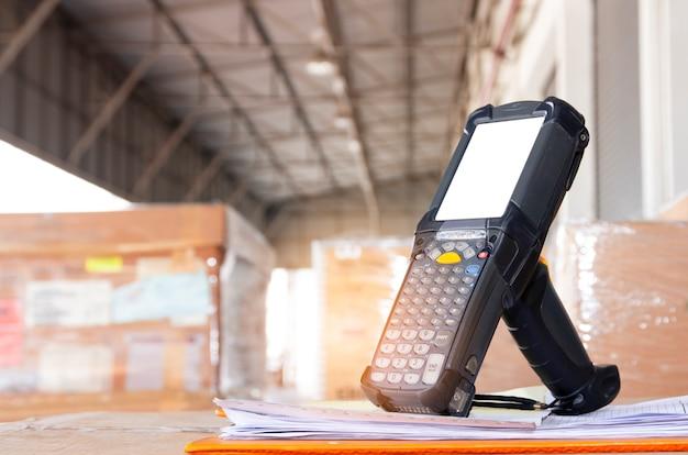 Escáner de código de barras, almacén de inventarios y logística.