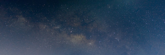 Escena nocturna vía láctea panorama de fondo