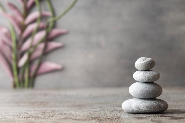 Escena de tratamiento de spa de piedras, conceptos zen.