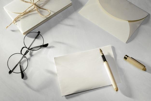 Escribiendo carta