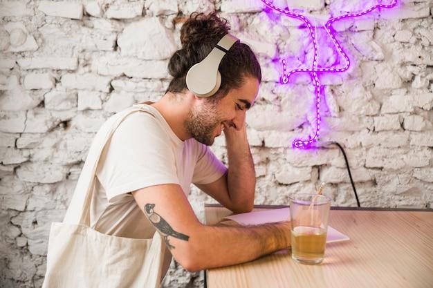 Escritor feliz