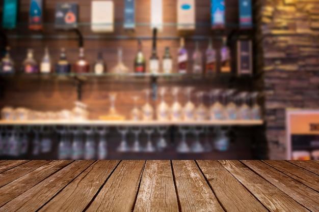 Escritorio de espacio libre en bar.