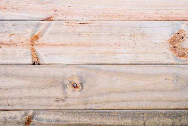 Escritorio de madera clara