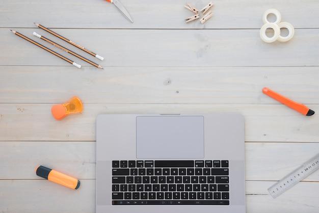Escritorio de negocios con espacio para copiar