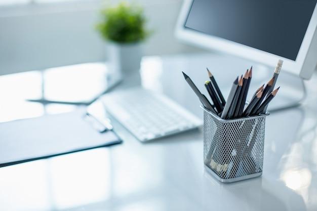 Escritorio de oficina moderno