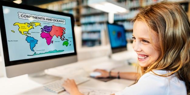 Escuela académica childern e-learning geografía concept