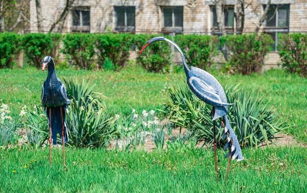 Escultura de jardín en el zoológico askania nova, ucrania