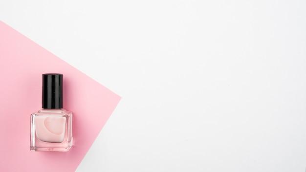 Esmalte de uñas con espacio de copia