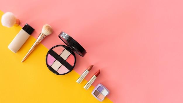 Espacio de copia cosméticos de belleza