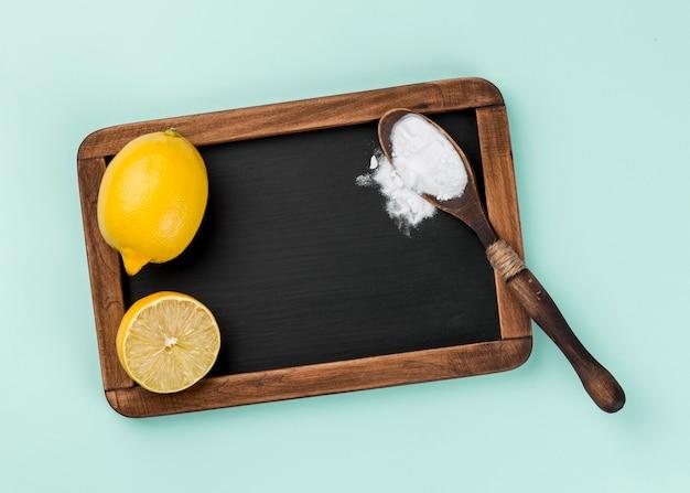 Espacio de copia de producto de limpieza ecológica limón y bicarbonato de sodio