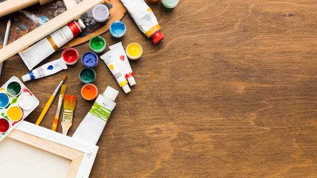 Espacio de copia de tubos de pintura acuarela