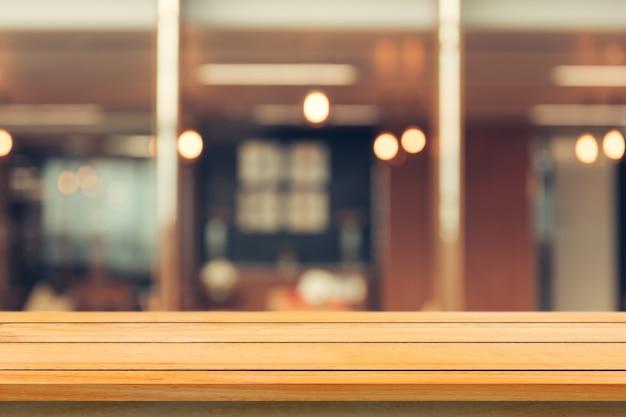 Espacio de madera cocina de la habitación del restaurante