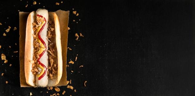 Espacio minimalista de copia de hot dog de comida rápida