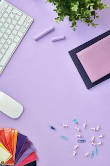 Espacio de trabajo de diseñador creativo