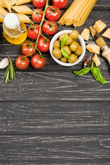 Espaguetis con ingredientes vegetales