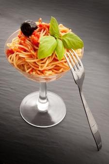 Espaguetis italianos en vidrio