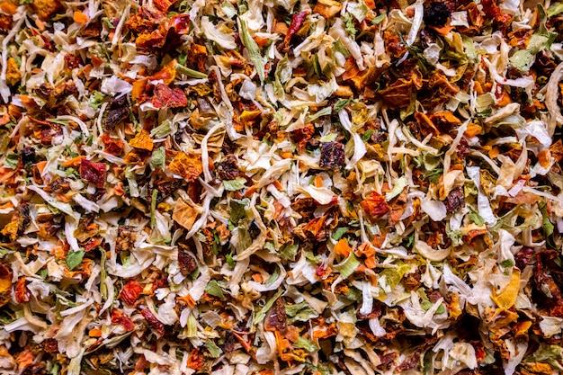 Especias de hierbas y verduras secas