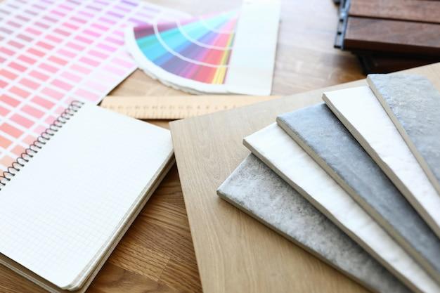 Esquema de color y muestras con color