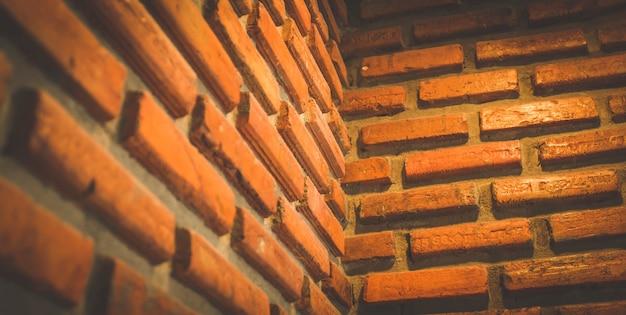 Esquina de la pared de ladrillo