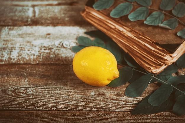 Establecer en un festival judío de sucot símbolos tradicionales