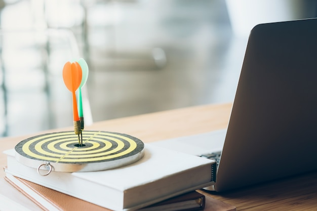 Establecimiento de objetivos empresariales y concepto de estrategia de planificación.