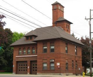Estación de bomberos de edad