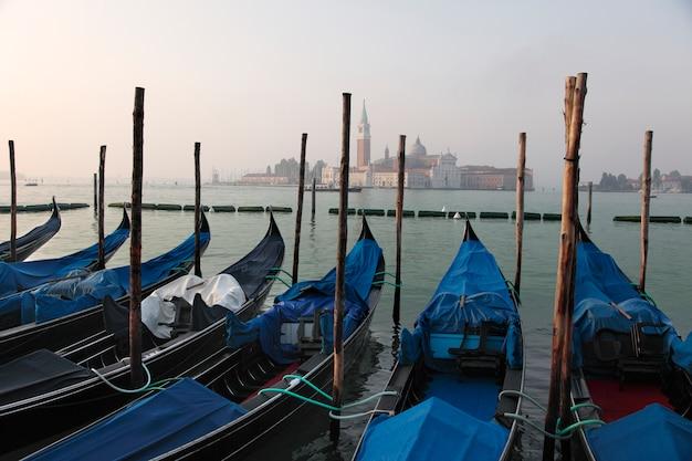 Estación de góndola en venecia