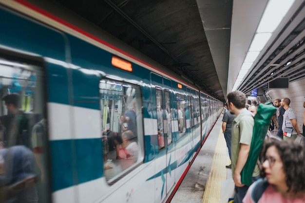 Estambul turquía - agosto de 2019: metro.